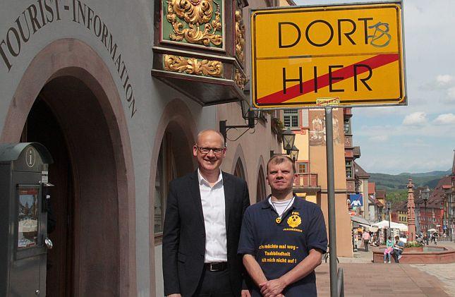 Sven Fiedler mit OB Ralf Broß