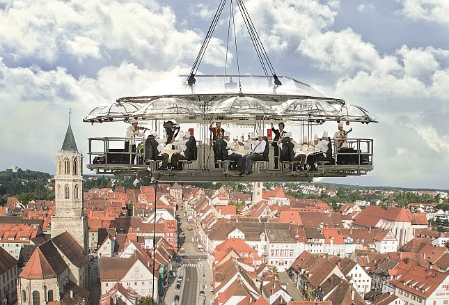 "Turmfest mit ""Flying Table"""