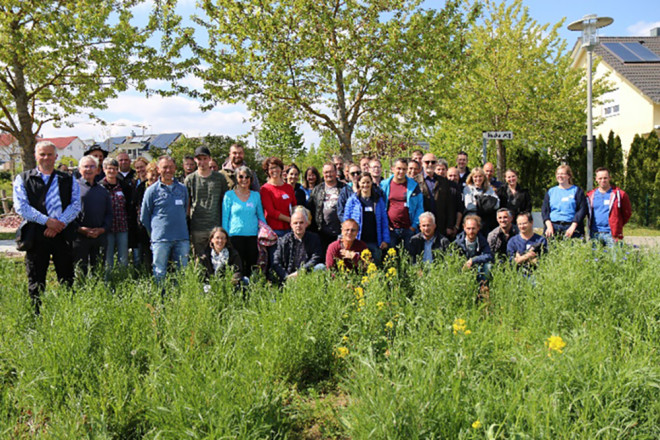 Die Fachleute für naturnahes Grün bei ihrem Besuch in Rottweil. Es gab zahlreiche Empfehlungen zur Neuanlage der geplanten naturnahen Wildblumenwiesen. (Foto: NABU/Anette Marquardt).