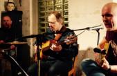 """Das Jazz-Trio """"Violet Moon"""" spielt beim Tag der offenen Tür in der Stadtbücherei (Foto: Violet Moon)."""
