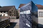 Vor wenigen Tagen hat Reinhard Müller die neuen Infotafeln bei den ehemaligen Mühlen in der Au installiert.
