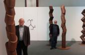 """Kurator Bernhard Rüth (links) und Jürgen Knubben bieten ein Gespräch zur Ausstellung """"Jürgen Knubben zum Fündundsechzigsten"""" an (Foto: Stadt Rottweil)."""