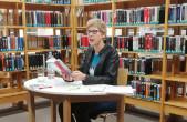 Britisches Feeling in der Stadtbücherei mit der Bestsellerautorin Elisabeth Kabatek (Foto: Lange).