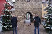 Unser Bild zeigt ENRW-Geschäftsführer Christoph Ranzinger (links) und den GHV-Vorsitzenden Detlev Maier bei der Übergabe der Rottweiler Taler.