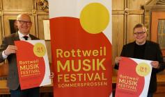 """""""Oberbürgermeister Ralf Broß und Kulturamtsleiter Marco Schaffert wagen den Schritt. Das Rottweil Musikfestival Sommersprossen wird ab 28. Juni 2021 das erste Festival nach dem Lockdown in der Region sein und in Rottweil stattfinden."""""""