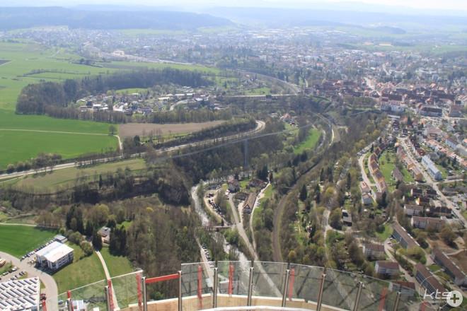 Visualisierung Fußgänger-Hängebrücke: Blick vom Testturm
