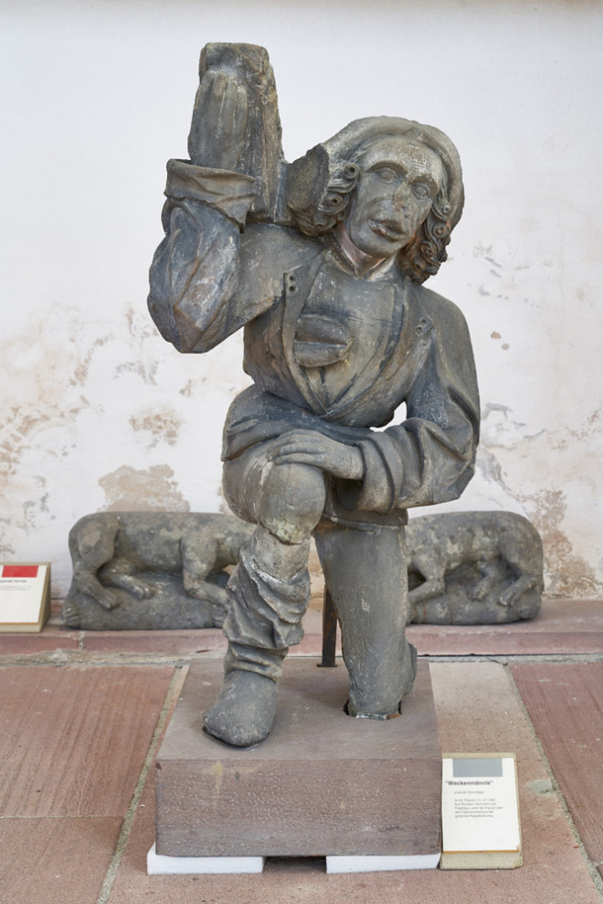 Das Weckenmännle von Anton Pilgram (um 1480) verdankt seinen Namen dem Wecken, den er im offenen Wams seiner Werksgesellentracht trägt (Foto: Dominikanermuseum).