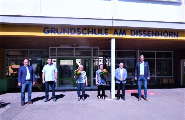 Bürgermeister Dr. Christian Ruf, Ortsvorsteher Kendy Scharein (Neukirch), Ursel Ramöller, Andrea Haunstetter-Mössinger, Ortsvorsteher Wolfgang Dreher (Göllsdorf) sowie Fachbereichsleiter Bernd Pfaff (Foto: Stadt Rottweil).
