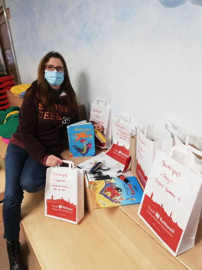 """Stadtbücherei bietet """"Bastelspaß zum Ausleihen"""""""