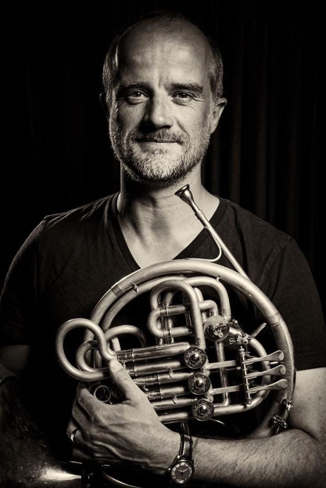 Der aus Rottweil stammende Hornist Fritz Pahlmann übernimmt den Solopart beim Quintett von Ernest Walker (1870 – 1949) (Foto: Jonas Tegtmeyer).
